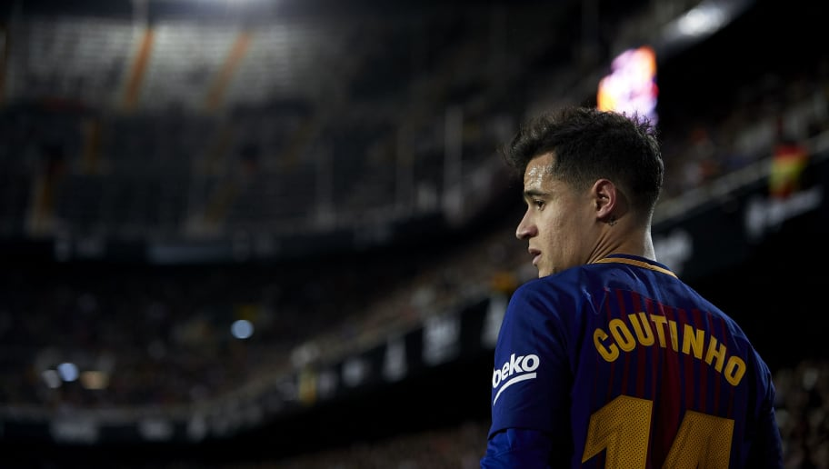 VALENCIA, SPAIN - FEBRUARY 08:  Philippe Coutinho of Barcelona looks on during the Copa del Rey semi-final second leg match between Valencia and Barcelona on February 8, 2018 in Valencia, Spain.  (Photo by Manuel Queimadelos Alonso/Getty Images)