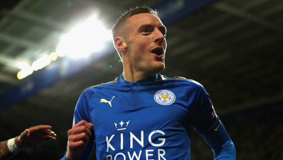 LEICESTER, ENGLAND - NOVEMBER 28:  Jamie Vardy of Leicester City celebrates scoring the 1st goal during the Premier League match between Leicester City and Tottenham Hotspur at The King Power Stadium on November 28, 2017 in Leicester, England.  (Photo by Catherine Ivill/Getty Images)