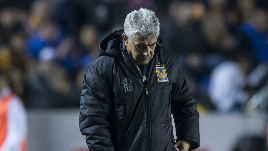 MONTERREY, MEXICO - JANUARY 27:  Ricardo Ferretti, coach of Tigres, looks on during the 4th round match between Tigres UANL and Pachuca as part of the Torneo Clausura 2018 Liga MX on January 27, 2018 in Monterrey, Mexico. (Photo by Azael Rodriguez/Getty Images)