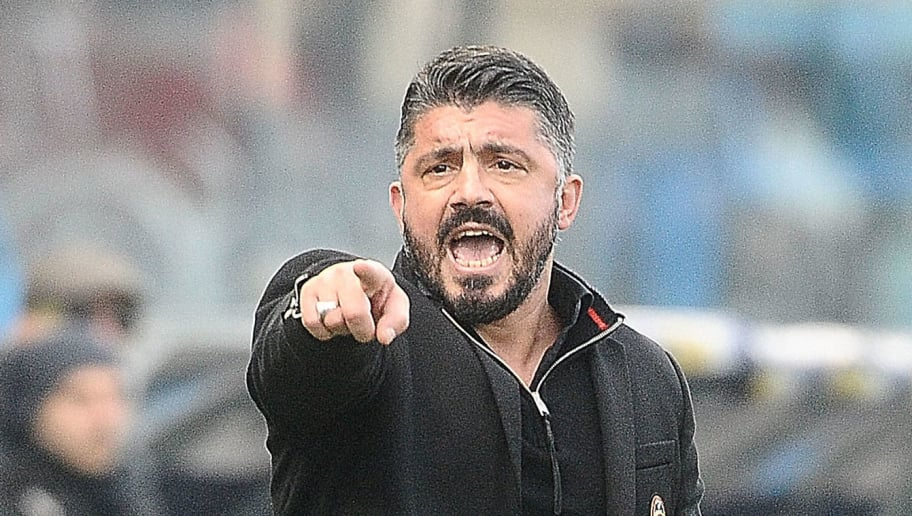 FERRARA, ITALY - FEBRUARY 10: Gennaro Gattuso head coach of AC MIlan talks to his players during the serie A match between Spal and AC Milan at Stadio Paolo Mazza on February 10, 2018 in Ferrara, Italy.  (Photo by Mario Carlini / Iguana Press/Getty Images)