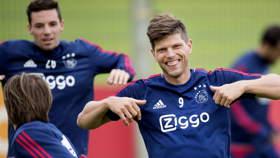 Ajax Amsterdam player Klaas Jan Huntelaar (R) takes part in a  training session in Amsterdam on August 1, 2017. Amsterdam is in preparation for the Champions League play off  return match against OGC Nice. / AFP PHOTO / ANP / Olaf KRAAK / Netherlands OUT        (Photo credit should read OLAF KRAAK/AFP/Getty Images)
