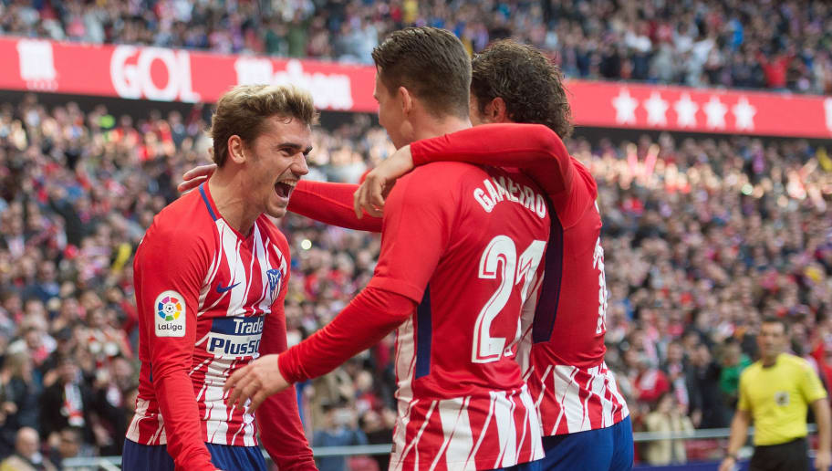 MADRID, SPAIN - FEBRUARY 18: Kevin Gameiro (R) of Atletico de Madrid celebrates with Antoine Greizmann after scoring his team's opening goal during the La Liga match between Atletico Madrid and Athletic Club at estadio Wanda Metropolitano on February 18, 2018 in Madrid, Spain. (Photo by Denis Doyle/Getty Images)