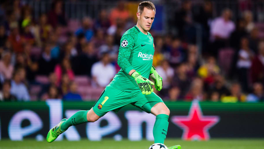 BARCELONA, SPAIN - SEPTEMBER 12:  Marc-Andre Ter Stegen of FC Barcelona kicks the ball during the UEFA Champions League group D match between FC Barcelona and Juventus at Camp Nou on September 12, 2017 in Barcelona, Spain.  (Photo by Alex Caparros/Getty Images)