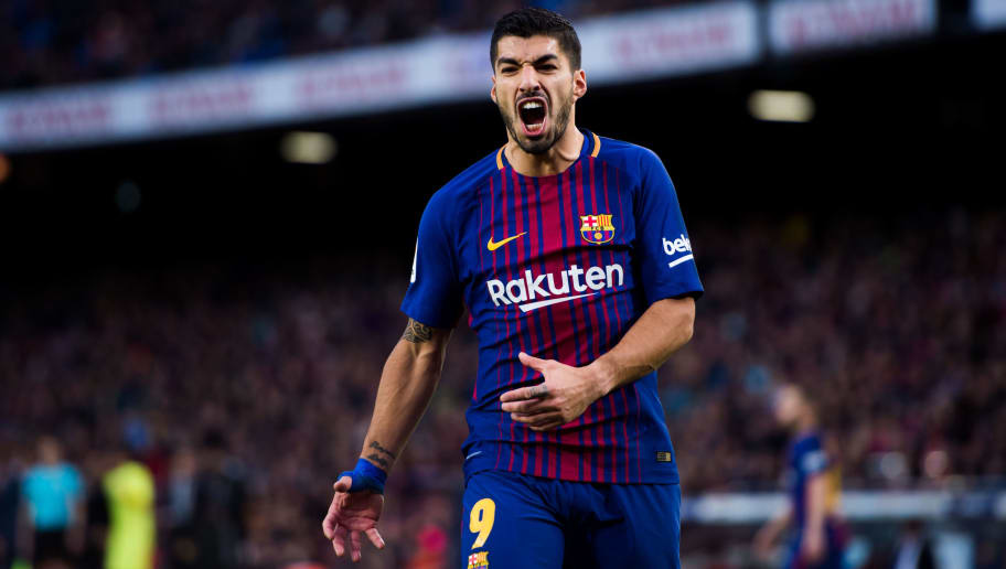 BARCELONA, SPAIN - FEBRUARY 11: Luis Suarez of FC Barcelona reacts during the La Liga match between Barcelona and Getafe at Camp Nou on February 11, 2018 in Barcelona, Spain. (Photo by Alex Caparros/Getty Images)