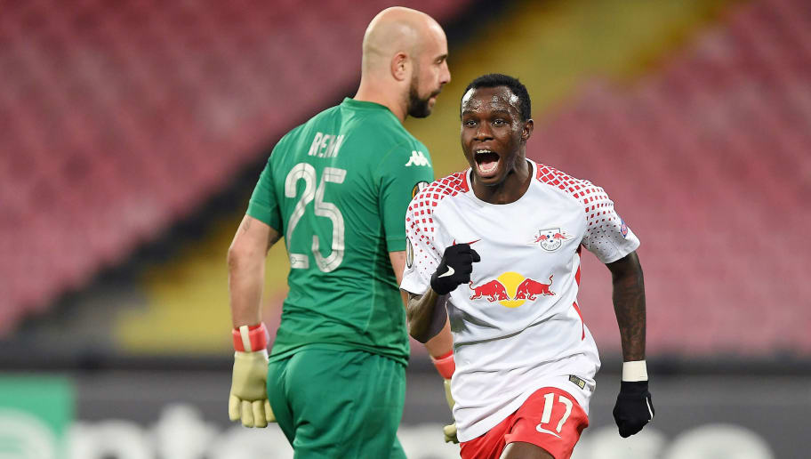 NAPLES, ITALY - FEBRUARY 15:  Player of RB Leipzig Bruma celebrates after scoring the 1-2 goal, beside the disappointment of Pepe Reina player of SSC Napoli during UEFA Europa League Round of 32 match between Napoli and RB Leipzig at the Stadio San Paolo on February 15, 2018 in Naples, Italy.  (Photo by Francesco Pecoraro/Getty Images)