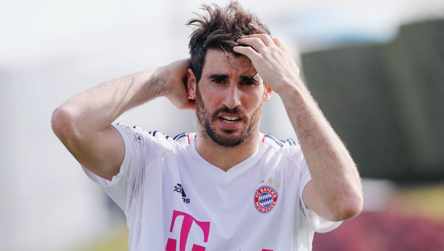 DOHA, QATAR - JANUARY 05: Javi Martinez reacts during a training session on day 4 of the FC Bayern Muenchen training camp at ASPIRE Academy for Sports Excellence on January 5, 2018 in Doha, Qatar.  (Photo by Alex Grimm/Bongarts/Getty Images)