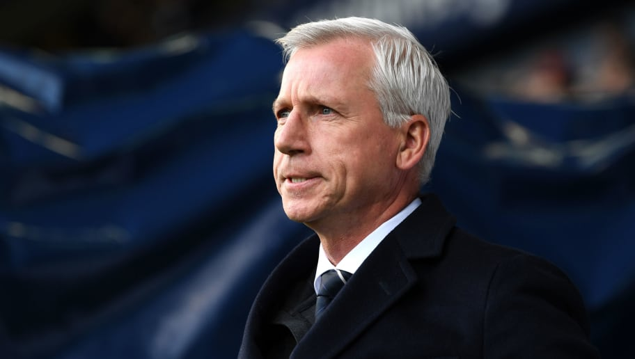 WEST BROMWICH, ENGLAND - FEBRUARY 17:  Alan Pardew, Manager of West Bromwich Albion looks on prior to the The Emirates FA Cup Fifth Round between West Bromwich Albion v Southampton at The Hawthorns on February 17, 2018 in West Bromwich, England.  (Photo by Michael Regan/Getty Images)