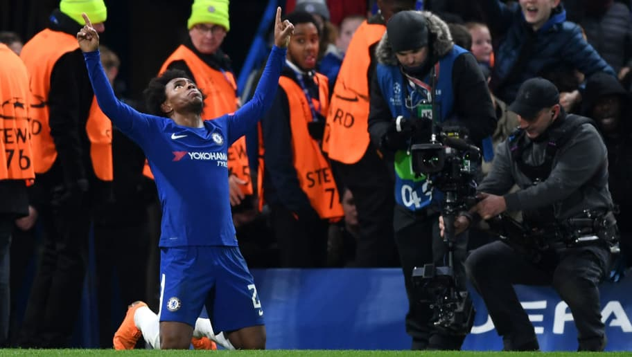 LONDON, ENGLAND - FEBRUARY 20:  Willian of Chelsea celebrates after scoring his sides first goal during the UEFA Champions League Round of 16 First Leg match between Chelsea FC and FC Barcelona at Stamford Bridge on February 20, 2018 in London, United Kingdom.  (Photo by Shaun Botterill/Getty Images,)