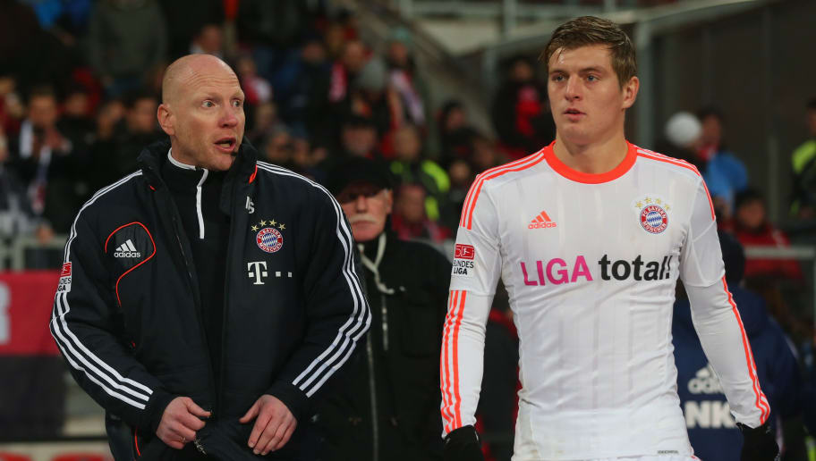 NUREMBERG, GERMANY - NOVEMBER 17:  Matthias Sammer, sporting director of Muenchen talks to his player Toni Kroos prior the Bundesliga match between 1. FC Nuernberg and FC Bayern Muenchen at Easy Credit Stadium on November 17, 2012 in Nuremberg, Germany.  (Photo by Alexander Hassenstein/Bongarts/Getty Images)