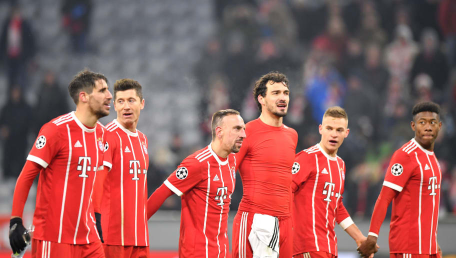 MUNICH, GERMANY - FEBRUARY 20:  The Bayern Muenchen players show their fans appreciation after the UEFA Champions League Round of 16 First Leg  match between Bayern Muenchen and Besiktas at Allianz Arena on February 20, 2018 in Munich, Germany.  (Photo by Sebastian Widmann/Bongarts/Getty Images)