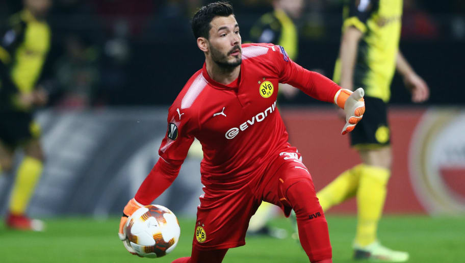 DORTMUND, GERMANY - FEBRUARY 15:  Goalkeeper Roman Buerki of Dortmund during UEFA Europa League Round of 32 match between Borussia Dortmund and Atalanta Bergamo at the Signal Iduna Park on February 15, 2018 in Dortmund, Germany.  (Photo by Alex Grimm/Bongarts/Getty Images)