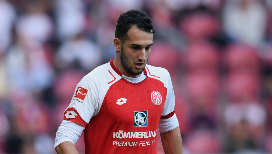 MAINZ, GERMANY - SEPTEMBER 23: Mete Levin Oeztunali of Mainz controls the ball during the Bundesliga match between 1. FSV Mainz 05 and Hertha BSC at Opel Arena on September 23, 2017 in Mainz, Germany. (Photo by Matthias Hangst/Bongarts/Getty Images)