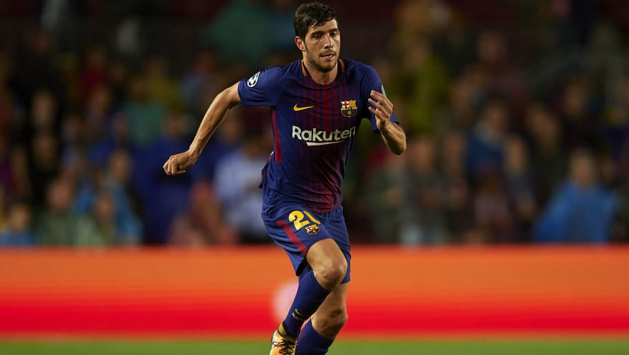 BARCELONA, SPAIN - OCTOBER 18:  Sergi Roberto of Barcelona runs with the ball during the UEFA Champions League group D match between FC Barcelona and Olympiakos Piraeus at Camp Nou on October 18, 2017 in Barcelona, Spain.  (Photo by Manuel Queimadelos Alonso/Getty Images)