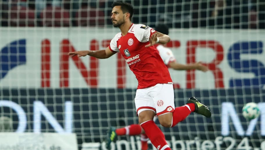 MAINZ, GERMANY - SEPTEMBER 20:  Danny Latza of Mainz celebrates his team's first goal during the Bundesliga match between 1. FSV Mainz 05 and TSG 1899 Hoffenheim at Opel Arena on September 20, 2017 in Mainz, Germany.  (Photo by Alex Grimm/Bongarts/Getty Images)