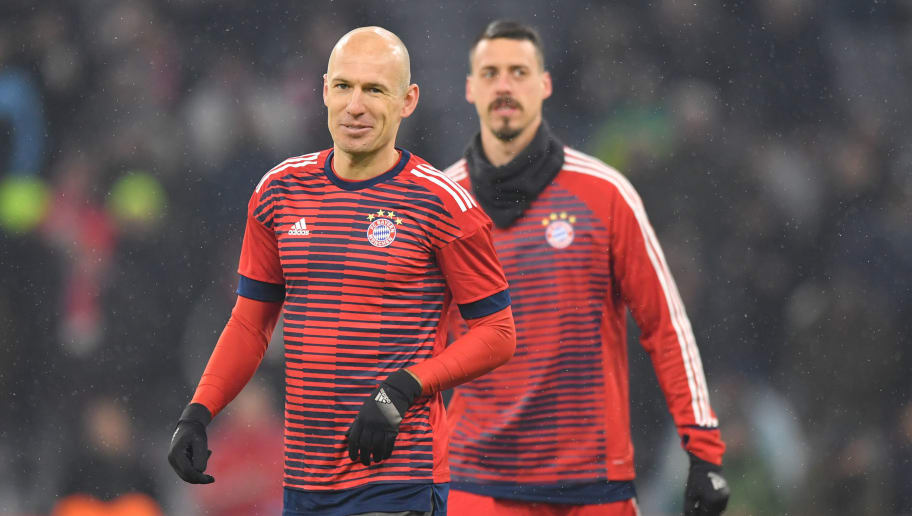 MUNICH, GERMANY - FEBRUARY 20: Arjen Robben of Bayern Muenchen smiles prior to the UEFA Champions League Round of 16 First Leg match between Bayern Muenchen and Besiktas at Allianz Arena on February 20, 2018 in Munich, Germany. (Photo by Sebastian Widmann/Bongarts/Getty Images)