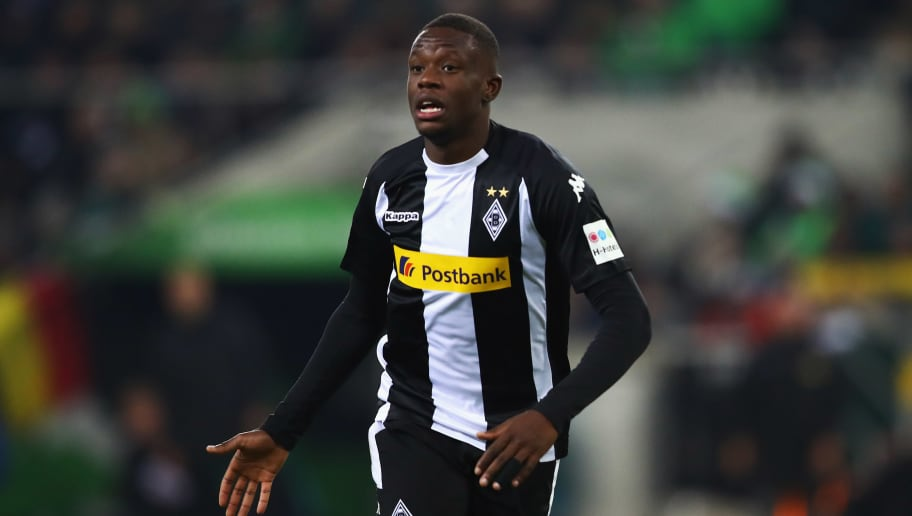 MOENCHENGLADBACH, GERMANY - DECEMBER 09:  Denis Zakaria of Borussia Monchengladbach looks on during the Bundesliga match between Borussia Moenchengladbach and FC Schalke 04 at Borussia-Park on December 9, 2017 in Moenchengladbach, Germany.  (Photo by Dean Mouhtaropoulos/Bongarts/Getty Images)