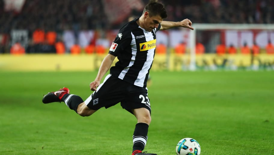 COLOGNE, GERMANY - JANUARY 14:  Jonas Hofmann of Borussia Monchengladbach in action during the Bundesliga match between 1. FC Koeln and Borussia Moenchengladbach at RheinEnergieStadion on January 14, 2018 in Cologne, Germany.  (Photo by Dean Mouhtaropoulos/Bongarts/Getty Images)