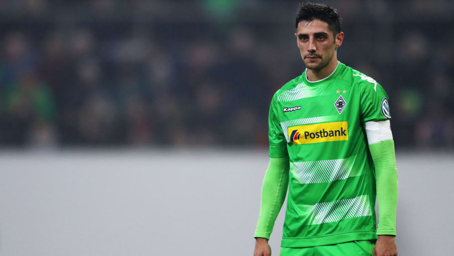 MOENCHENGLADBACH, GERMANY - DECEMBER 20:  Lars Stindl of Borussia Monchengladbach in action during the DFB-Pokal match between Borussia Moenchengladbach and Bayer Leverkusen at Borussia-Park on December 20, 2017 in Moenchengladbach, Germany.  (Photo by Dean Mouhtaropoulos/Bongarts/Getty Images)