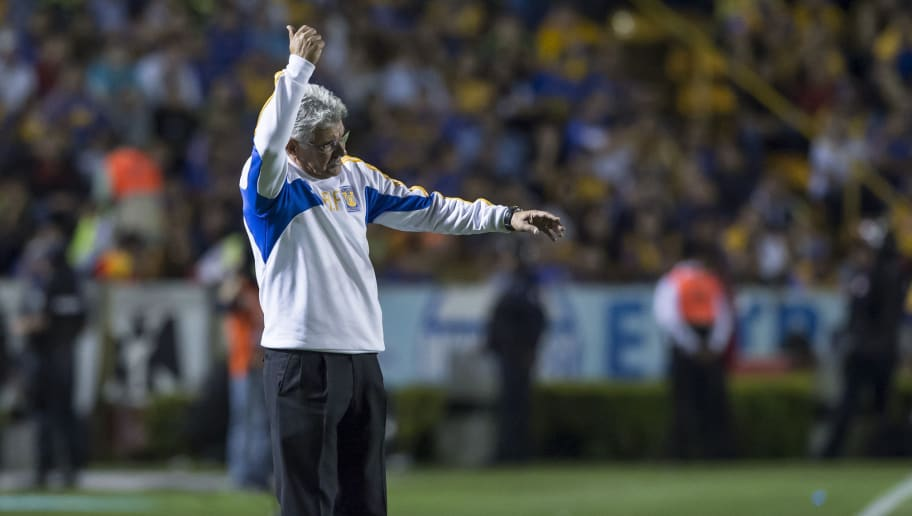 MONTERREY, MEXICO - MARCH 12:  Ricardo 'Tuca' Ferretti, coach of Tigres, gestures during the 10th round match between Tigres UANL and Pumas UNAM as part of the Clausura 2016 Liga MX at Universitario Stadium on March 12, 2016 in Monterrey, Mexico. (Photo by Azael Rodriguez/LatinContent/Getty Images)