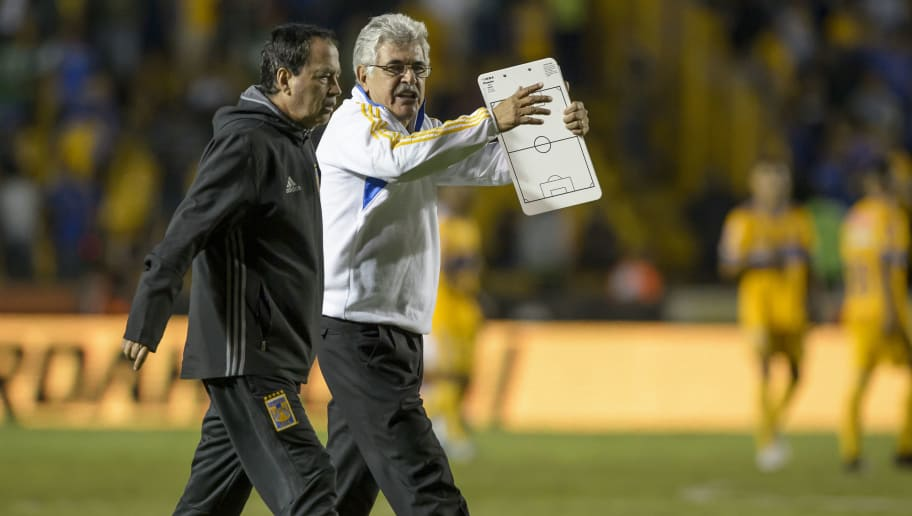 MONTERREY, MEXICO - OCTOBER 17: Ricardo 'Tuca' Ferretti, coach of Tigres, gestures at the end of the 10th round match between Tigres UANL and Veracruz as part of the Torneo Apertura 2017 Liga MX at Universitario Stadium on October 17, 2017 in Monterrey, Mexico.  (Photo by Azael Rodriguez/Getty Images)