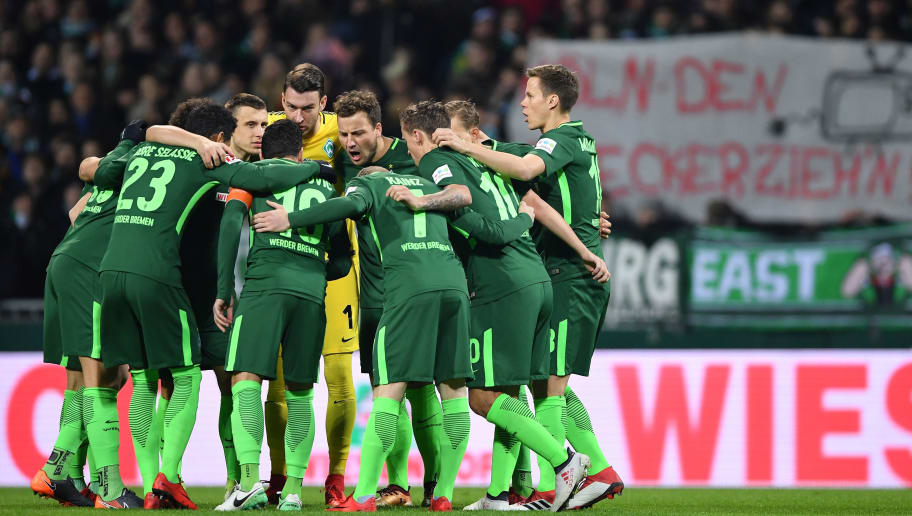 BREMEN, GERMANY - FEBRUARY 11:  The players of Bremen group together during the Bundesliga match between SV Werder Bremen and VfL Wolfsburg at Weserstadion on February 11, 2018 in Bremen, Germany.  (Photo by Stuart Franklin/Bongarts/Getty Images)