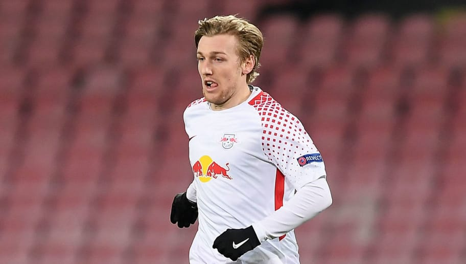 NAPLES, ITALY - FEBRUARY 15: Emil Forsberg of RB Leipzig in action during UEFA Europa League Round of 32 match between Napoli and RB Leipzig at the Stadio San Paolo on February 15, 2018 in Naples, Italy.  (Photo by Francesco Pecoraro/Getty Images)