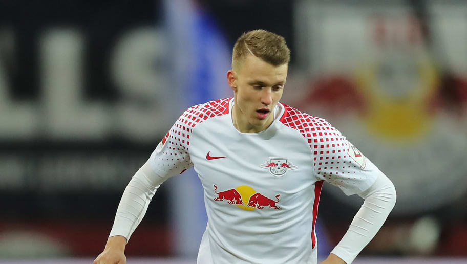 LEIPZIG, GERMANY - DECEMBER 17: Lukas Klostermann of RB Leipzig runs with the ball during the Bundesliga match between RB Leipzig and Hertha BSC at Red Bull Arena on December 17, 2017 in Leipzig, Germany.  (Photo by Boris Streubel/Bongarts/Getty Images)