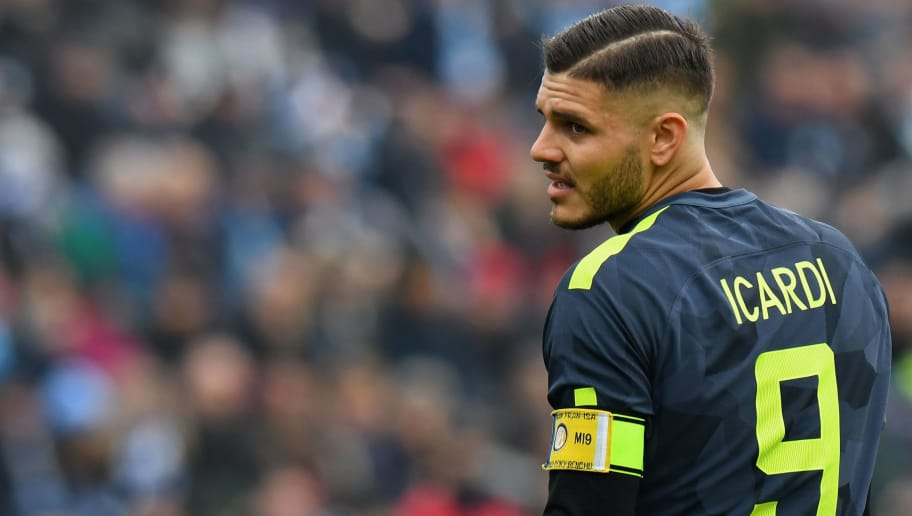 FERRARA, ITALY - JANUARY 28:  Mauro Emanuel Icardi of FC Internazionale looks on during the serie A match between Spal and FC Internazionale at Stadio Paolo Mazza on January 28, 2018 in Ferrara, Italy.  (Photo by Alessandro Sabattini/Getty Images)
