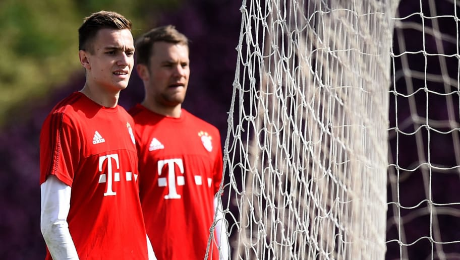 DOHA, QATAR - JANUARY 07:  Goalkeeper Christian Früchtl is seen next to Manuel Neuer during a training session at day two of the Bayern Muenchen training camp at Aspire Academy  on January 7, 2016 in Doha, Qatar.  (Photo by Lars Baron/Bongarts/Getty Images)