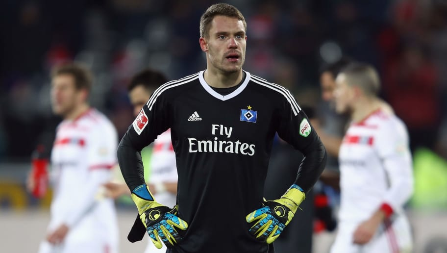 FREIBURG IM BREISGAU, GERMANY - DECEMBER 01: Goalkeeper Christian Mathenia of Hamburg reacts after the Bundesliga match between Sport-Club Freiburg and Hamburger SV at Schwarzwald-Stadion on December 1, 2017 in Freiburg im Breisgau, Germany.  (Photo by Alex Grimm/Bongarts/Getty Images)