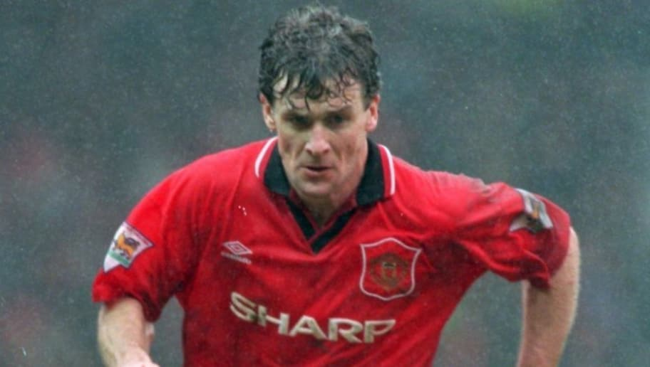 17 APR 1995:  MARK HUGHES OF MANCHESTER UNITED IN ACTION DURING A PREMIERSHIP MATCH AGAINST CHELSEA AT OLD TRAFFORD. THE GAME ENDED IN A 0-0 DRAW. Mandatory Credit: Gary M. Prior/ALLSPORT
