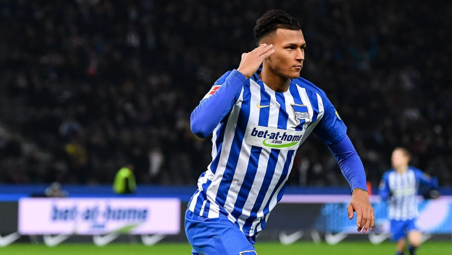 BERLIN, GERMANY - JANUARY 19: Davie Selke #27 of Hertha Berlin celebrates after scoring his team's first goal to make it 1-0 during the Bundesliga match between Hertha BSC and Borussia Dortmund at Olympiastadion on January 19, 2018 in Berlin, Germany. (Photo by Stuart Franklin/Bongarts/Getty Images)