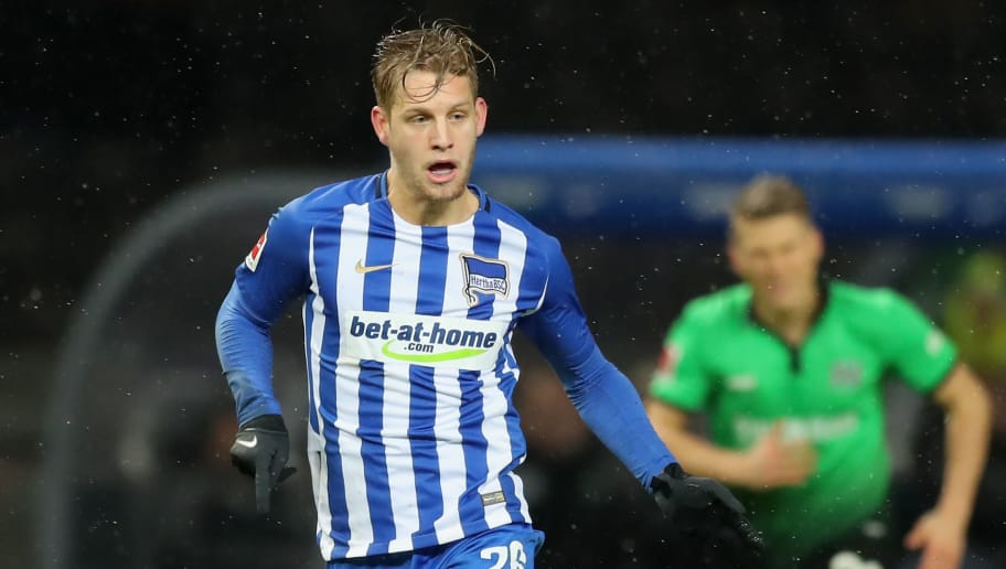 BERLIN, GERMANY - DECEMBER 13:  Arne Maier of Hertha BSC runs with the ball during the Bundesliga match between Hertha BSC and Hannover 96 at Olympiastadion on December 13, 2017 in Berlin, Germany.  (Photo by Boris Streubel/Bongarts/Getty Images )