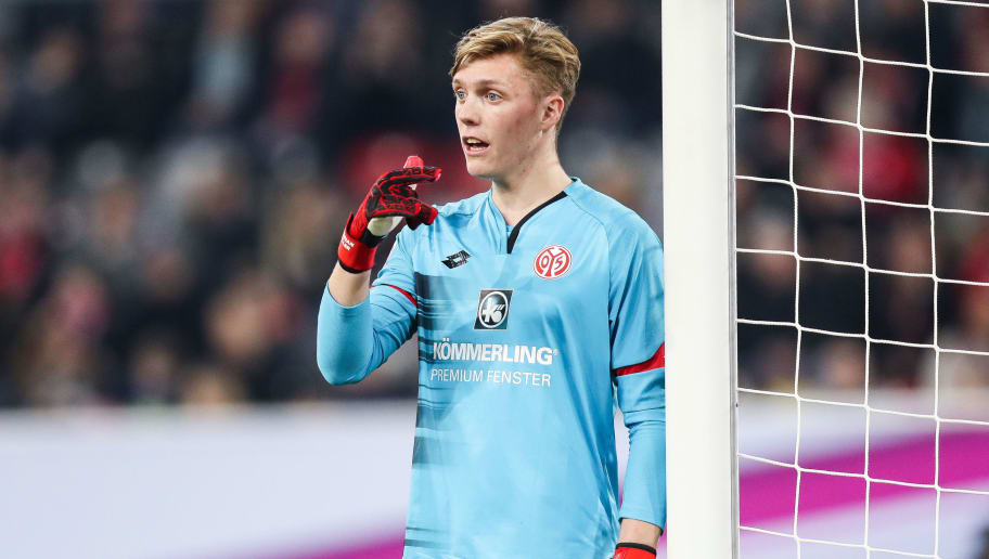 DUESSELDORF, GERMANY - JANUARY 14: Florian Mueller goal keeper of Mainz reacts during the Telekom Cup 2017 match between Borussia Moenchengladbach and 1. FSV Mainz 05 at Esprit-Arena on January 14, 2017 in Duesseldorf, Germany. (Photo by Maja Hitij/Bongarts/Getty Images)