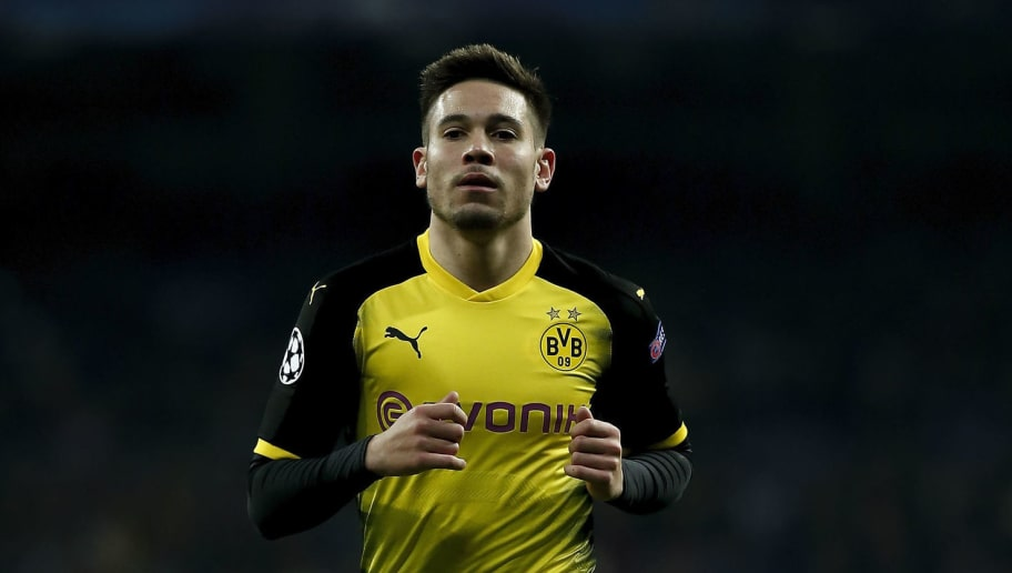 MADRID, SPAIN - DECEMBER 06: Raphael Guerreiro of Borussia Dortmund in action during the UEFA Champions League group H match between Real Madrid and Borussia Dortmund at Estadio Santiago Bernabeu on December 6, 2017 in Madrid, Spain. (Photo by Gonzalo Arroyo Moreno/Getty Images)