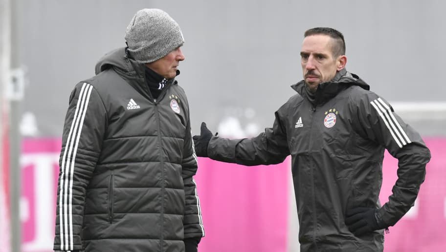 Bayern Munich's head coach Jupp Heynckes (L) talks with Bayern Munich's French midfielder Franck Ribery during a training session in Munich, southern Germany, on February 19, 2018, on the eve of the UEFA Champions League round of sixteen first leg football match Bayern Munich vs Besiktas Istanbul. / AFP PHOTO / THOMAS KIENZLE        (Photo credit should read THOMAS KIENZLE/AFP/Getty Images)