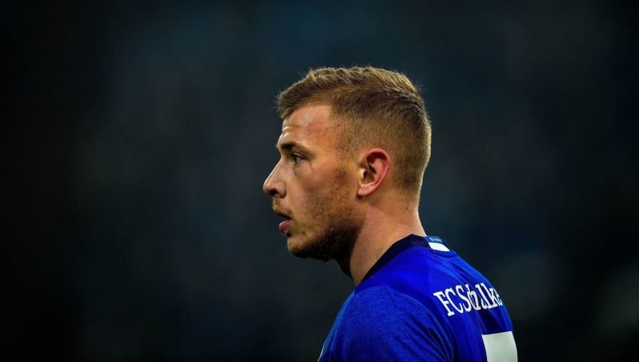 Schalke's midfielder Max Meyer looks on during the German first division Bundesliga football match Schalke 04 vs Hertha Berlin in Gelsenkirchen, western Germany, on March 3, 2018. / AFP PHOTO / SASCHA SCHUERMANN / RESTRICTIONS: DURING MATCH TIME: DFL RULES TO LIMIT THE ONLINE USAGE TO 15 PICTURES PER MATCH AND FORBID IMAGE SEQUENCES TO SIMULATE VIDEO. == RESTRICTED TO EDITORIAL USE == FOR FURTHER QUERIES PLEASE CONTACT DFL DIRECTLY AT + 49 69 650050         (Photo credit should read SASCHA SCHUERMANN/AFP/Getty Images)