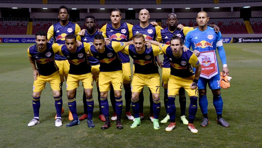 New York Red Bulls team poses for the picture before match with United States New York Red Bulls during a Concacaf Champions League  in National Stadium on San Jose, Costa Rica, February 22, 2018.  / AFP PHOTO / Ezequiel BECERRA        (Photo credit should read EZEQUIEL BECERRA/AFP/Getty Images)
