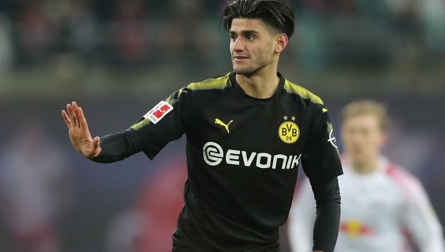 LEIPZIG, GERMANY - MARCH 03:  Mahmoud Dahoud of Borussia Dortmund gestures during the Bundesliga match between RB Leipzig and Borussia Dortmund at Red Bull Arena on March 3, 2018 in Leipzig, Germany.  (Photo by Boris Streubel/Bongarts/Getty Images)