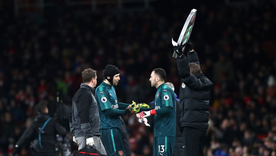 LONDON, ENGLAND - FEBRUARY 03: David Ospina of Arsenal comes on for Petr Cech of Arsenal during the Premier League match between Arsenal and Everton at Emirates Stadium on February 3, 2018 in London, England.  (Photo by Catherine Ivill/Getty Images)