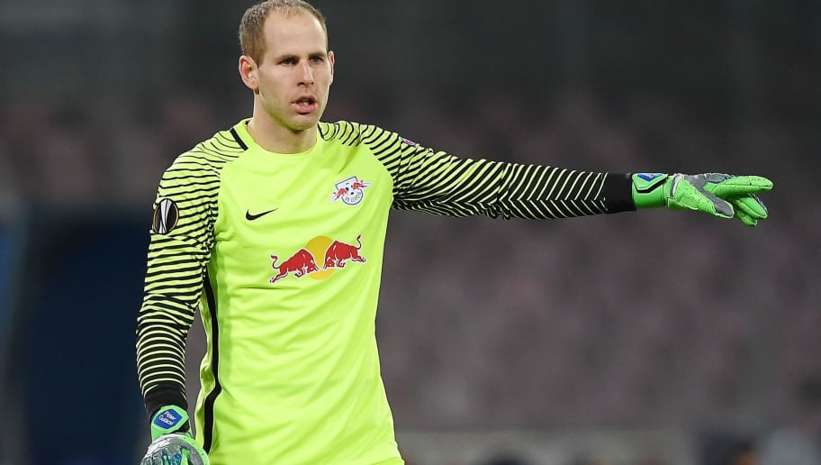 NAPLES, ITALY - FEBRUARY 15:  Peter Gulacsi of RB Leipzig in action during UEFA Europa League Round of 32 match between Napoli and RB Leipzig at the Stadio San Paolo on February 15, 2018 in Naples, Italy.  (Photo by Francesco Pecoraro/Getty Images)