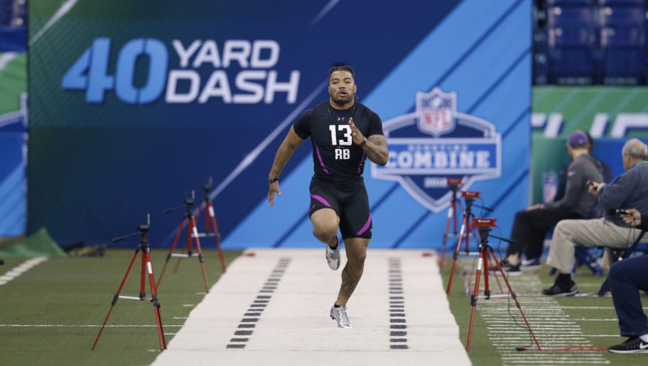 INDIANAPOLIS, IN - MARCH 02: LSU running back Derrius Guice runs the 40-yard dash during the 2018 NFL Combine at Lucas Oil Stadium on March 2, 2018 in Indianapolis, Indiana. (Photo by Joe Robbins/Getty Images)
