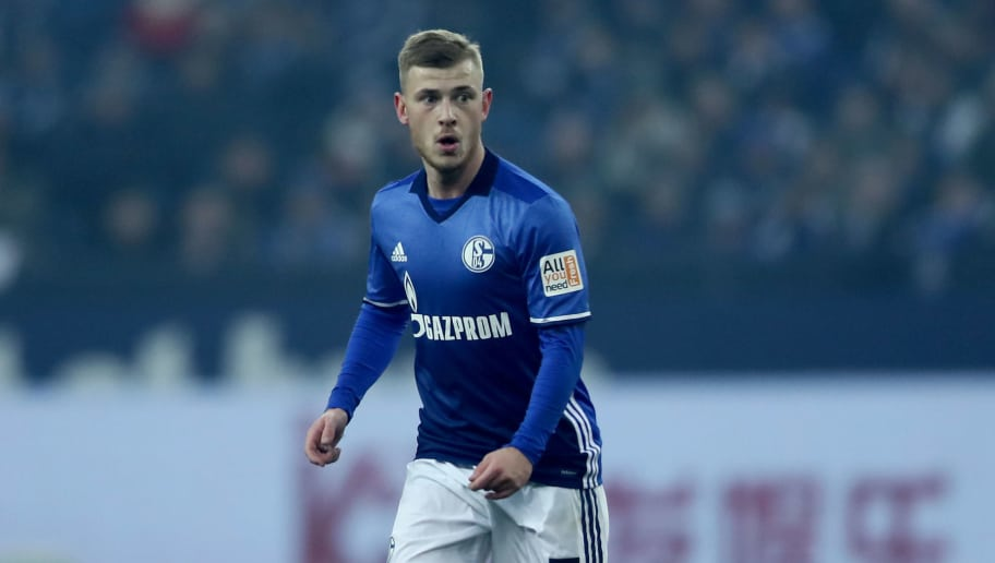 GELSENKIRCHEN, GERMANY - MARCH 03: Max Meyer of Schalke runs with the ball during the Bundesliga match between FC Schalke 04 and Hertha BSC at Veltins-Arena on March 3, 2018 in Gelsenkirchen, Germany. The match between Schalke and Berlin ended 1-0. (Photo by Christof Koepsel/Bongarts/Getty Images)