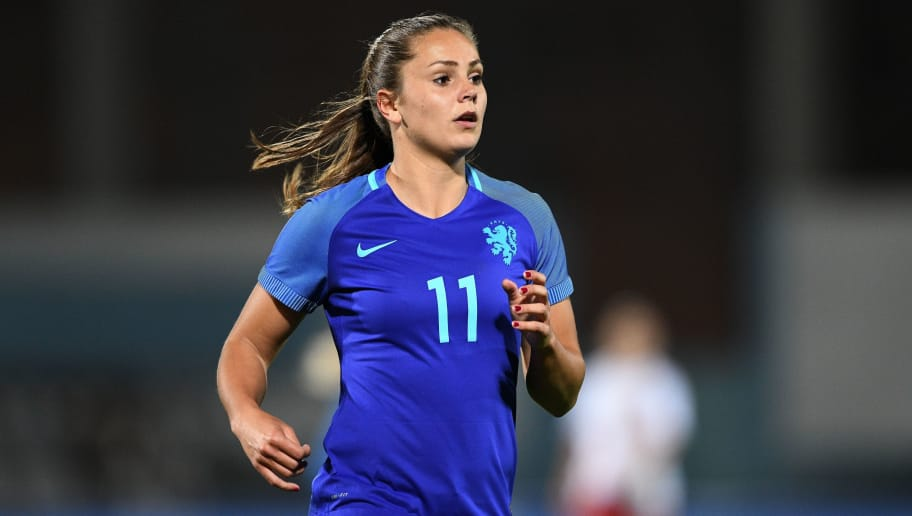 VILA REAL DE SANTO ANTONIO, PORTUGAL - MARCH 02: Lieke Martens of Holland in action during the Women's Algarve Cup Tournament match between Denmark and Holland at Complexo Desportivo de Vila Real de Santo Antonio on March 2, 2018 in Vila Real de Santo Antonio, Portugal. (Photo by Octavio Passos/Getty Images)