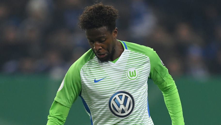 GELSENKIRCHEN, GERMANY - FEBRUARY 07:  Divock Origi of Wolfsburg in action during the DFB Pokal quarter final match between FC Schalke 04 and VfL Wolfsburg at Veltins-Arena on February 7, 2018 in Gelsenkirchen, Germany.  (Photo by Stuart Franklin/Bongarts/Getty Images)