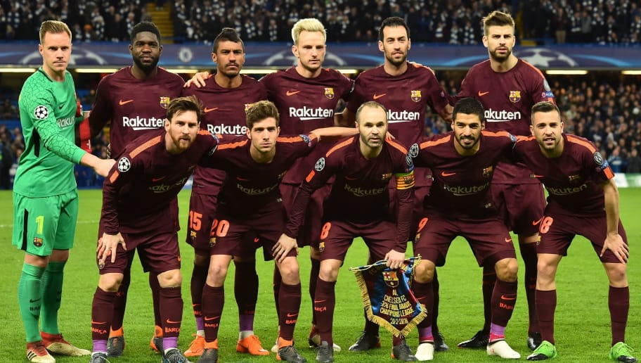 Barcelona players (Back row L-R) Barcelona's German goalkeeper Marc-Andre Ter Stegen, Barcelona's French defender Samuel Umtiti, Barcelona's Brazilian midfielder Paulinho, Barcelona's Croatian midfielder Ivan Rakitic, Barcelona's Spanish midfielder Sergio Busquets and Barcelona's Spanish defender Gerard Pique, (Front row L-R) Barcelona's Argentinian striker Lionel Messi, Barcelona's Spanish midfielder Sergi Roberto, Barcelona's Spanish midfielder Andres Iniesta, Barcelona's Uruguayan striker Luis Suarez and Barcelona's Spanish defender Jordi Alba  pose for a photograph ahead of the first leg of the UEFA Champions League round of 16 football match between Chelsea and Barcelona at Stamford Bridge stadium in London on February 20, 2018. / AFP PHOTO / Glyn KIRK        (Photo credit should read GLYN KIRK/AFP/Getty Images)