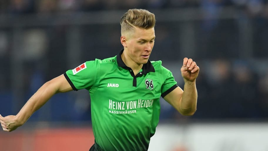 HAMBURG, GERMANY - FEBRUARY 04:  Matthias Ostrzolek of Hannover in action during the Bundesliga match between Hamburger SV and Hannover 96 at Volksparkstadion on February 4, 2018 in Hamburg, Germany.  (Photo by Stuart Franklin/Bongarts/Getty Images)