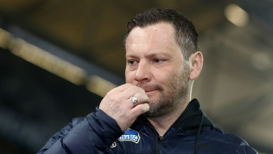 GELSENKIRCHEN, GERMANY - MARCH 03: Head coach of Pal Dardai of Berlin looks on prior to the Bundesliga match between FC Schalke 04 and Hertha BSC at Veltins-Arena on March 3, 2018 in Gelsenkirchen, Germany. (Photo by Christof Koepsel/Bongarts/Getty Images)