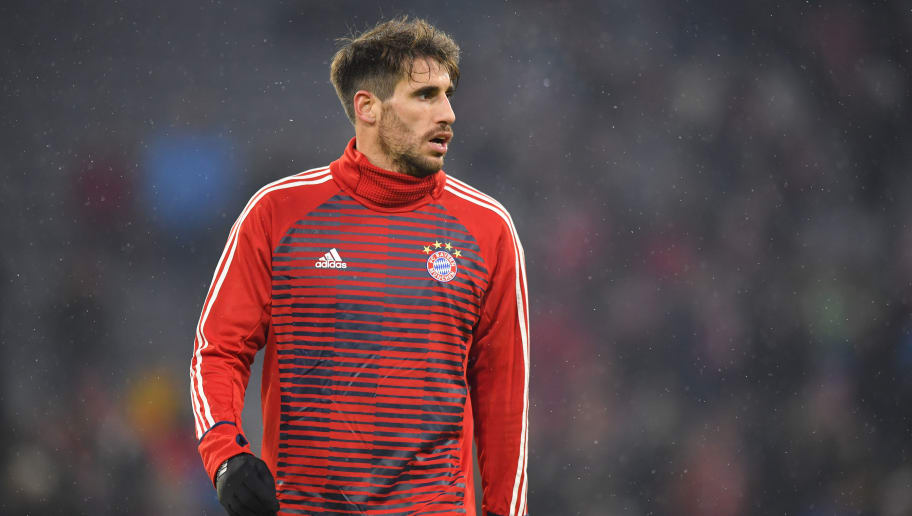 MUNICH, GERMANY - FEBRUARY 20: Javier Martinez of Bayern Muenchen looks on prior to the UEFA Champions League Round of 16 First Leg match between Bayern Muenchen and Besiktas at Allianz Arena on February 20, 2018 in Munich, Germany. (Photo by Sebastian Widmann/Bongarts/Getty Images)