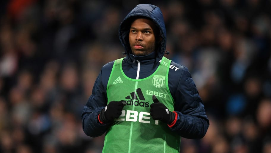 MANCHESTER, ENGLAND - JANUARY 31:  Daniel Sturridge of West Bromwich Albion warms up during the Premier League match between Manchester City and West Bromwich Albion at Etihad Stadium on January 31, 2018 in Manchester, England.  (Photo by Michael Regan/Getty Images)